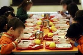 A scuola solo stoviglie compostabili - AcquistiVerdi.it