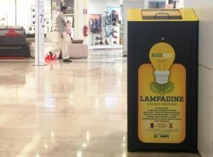 Cestini per la raccolta RAEE nei supermercati e nei negozi - AcquistiVerdi.it