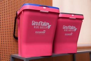 Raccolta differenziata con contenitori in plastica riciclata: la scelta vincente di Eurosintex - AcquistiVerdi.it